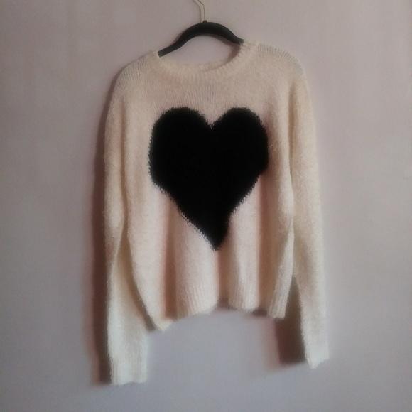Faith & Zoe Black & White Heart Sweater Size M